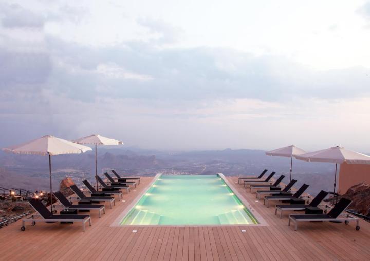 Jebel Shams hotel views