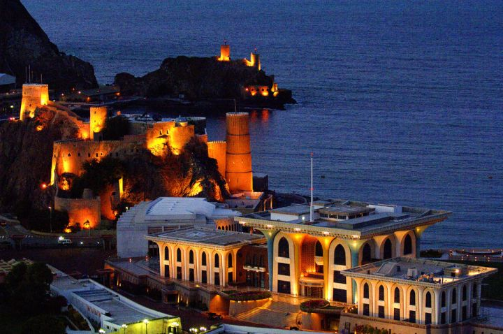 place to visit in muscat at night